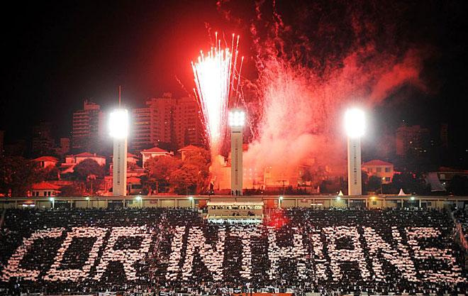 Estádio do Pacaembu na noite de 04 de julho de 2012, final entre Corinthians e Boca Juniors