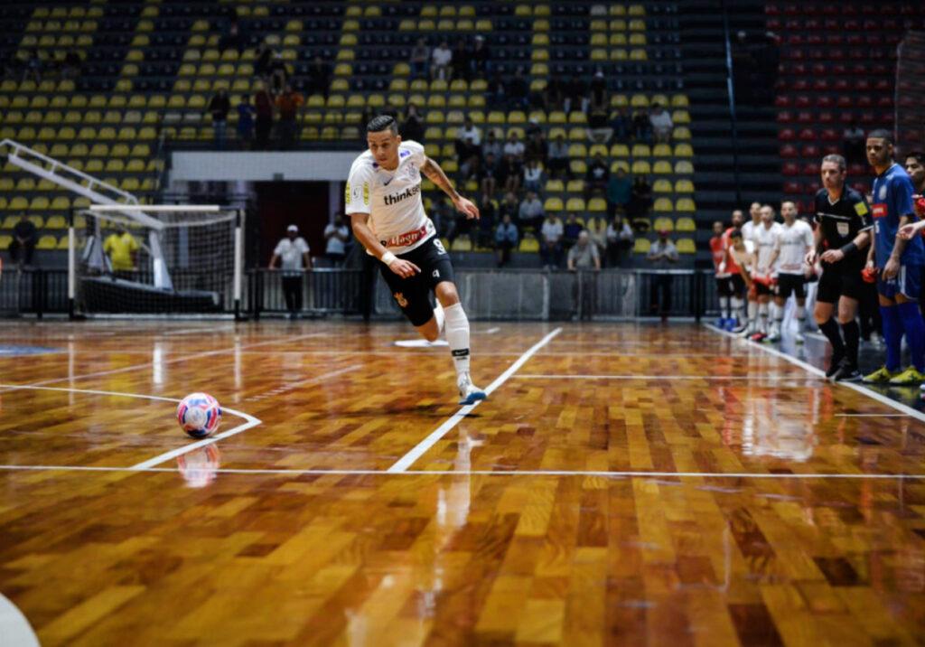 Douglas_Nunes_Atleta_do_Futsal_do_Corinthians